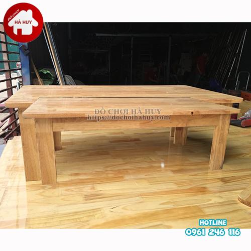 bàn gỗ mầm non chân gỗ cao 30cm