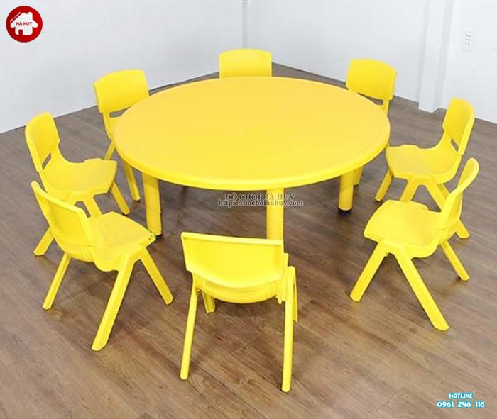 Bàn ghế nhựa đúc cho bé mầm non hình tròn nhập khẩu HA1-005