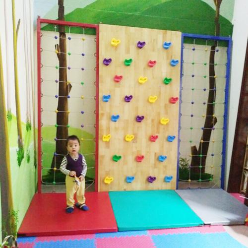 Bộ leo núi bằng gỗ kèm leo dây cho bé mầm non HE2-005