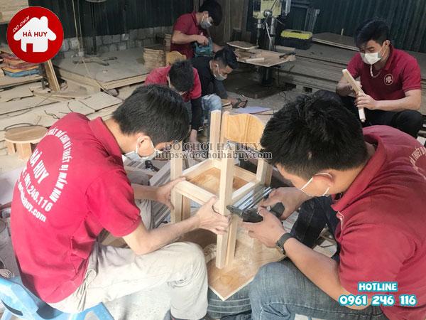 Ghế gỗ mầm non chân gỗ