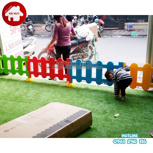 hàng rào nhựa đúc HC2-004-TT