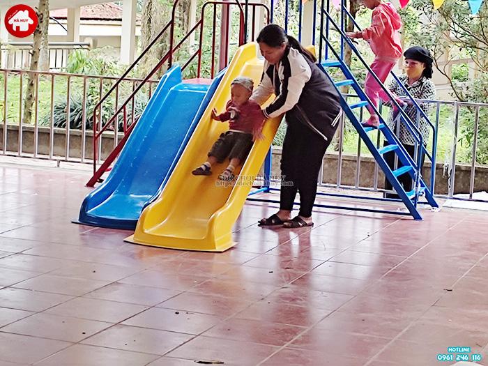Thang leo cầu trượt 2 độ tuổi HB1-018