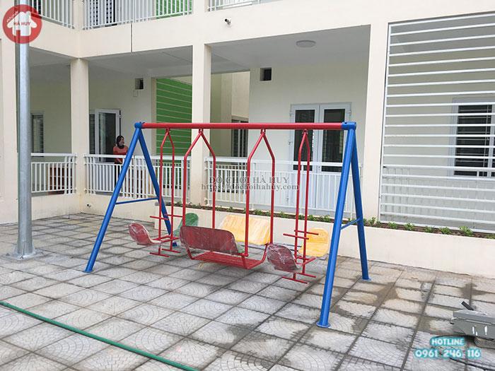 Xích đu trường mầm non 3 dạng 8 ghế ngồi cho các bé HB4-005