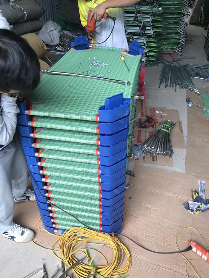 Biường mầm non vạn phúc giúp trẻ có một giấc ngủ ngon Xuong-san-xuat-giuong-ngu-luoi-mam-non-2