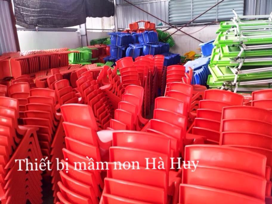 Cơ sở chuyên sản xuất bàn ghế mầm non chất lượng cao hà huy Xuong-ban-ghe