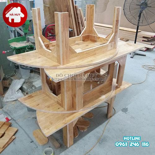 Bàn gỗ mầm non hình bán nguyệt HC1-008-3