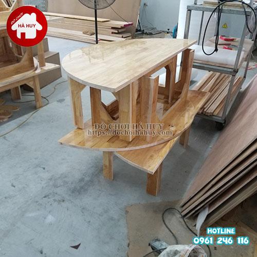 Bàn gỗ mầm non hình bán nguyệt HC1-008-5