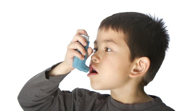 Cách nhận biết nguyên nhân trẻ bị suyễn