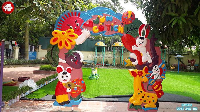Cổng vườn cổ tích HB11-024