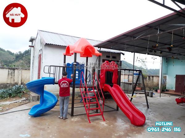 Lắp đặt nhà khối liên hoàn kèm xích đu tại trường mầm non ở Bắc Giang-4