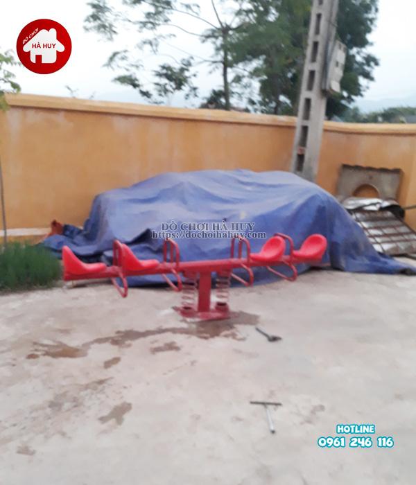 Lắp đặt nhà liên hoàn cầu trượt, bập bênh ngoài trời trường mầm non tại Hòa Bình-5