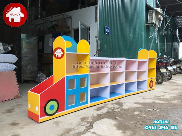 Sản xuất tủ kệ mầm non hình ô tô cho trường mầm non-1
