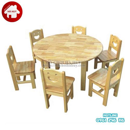 Bàn ghế gỗ hình tròn cho bé mầm non HC1-013