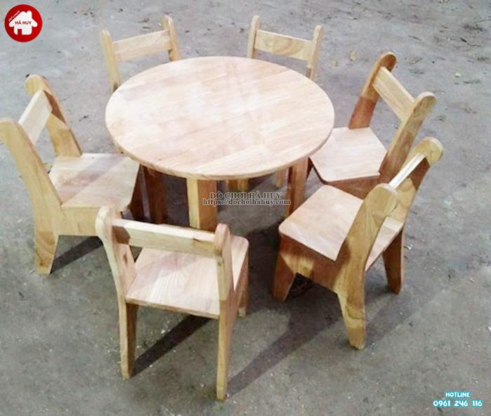 Bàn gỗ hình tròn cho bé mầm non HC1-013