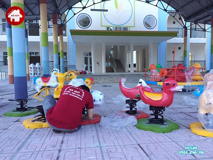 Lắp đặt bàn giao đồ chơi ngoài trời cho trường mầm non tại Hà Nội-13