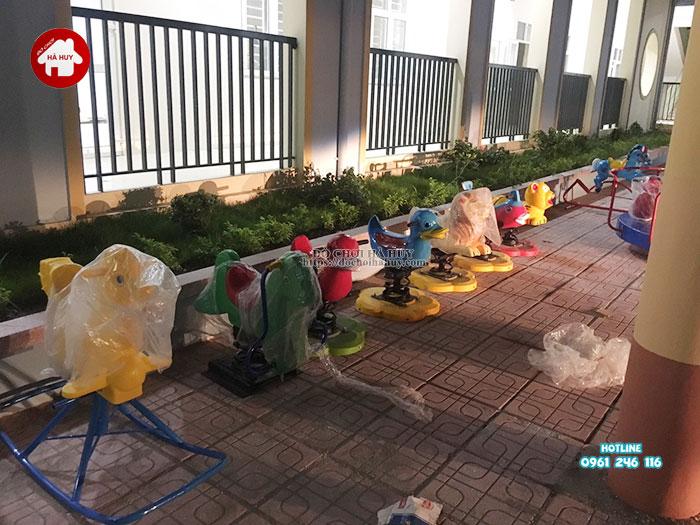 Lắp đặt bàn giao đồ chơi ngoài trời cho trường mầm non tại Hà Nội-14