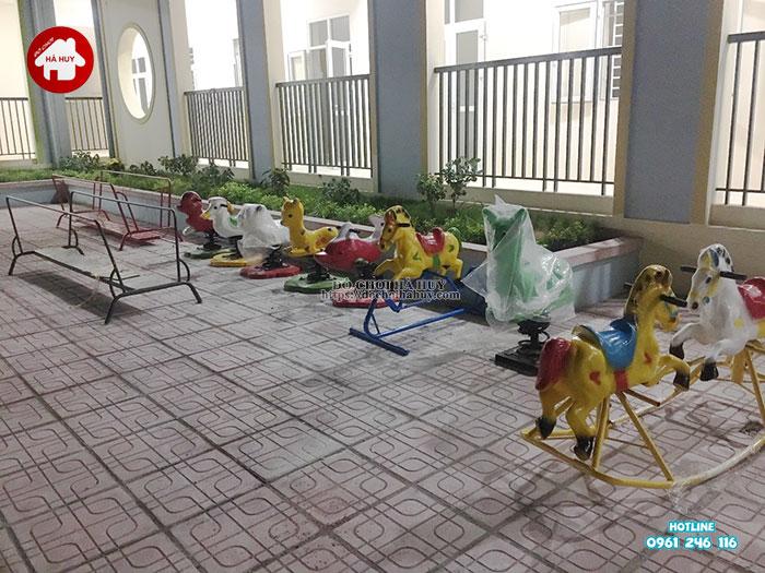 Lắp đặt bàn giao đồ chơi ngoài trời cho trường mầm non tại Hà Nội Lap-dat-ban-giao-choi-ngoai-troi-cho-truong-mam-non-tai-ha-noi-15