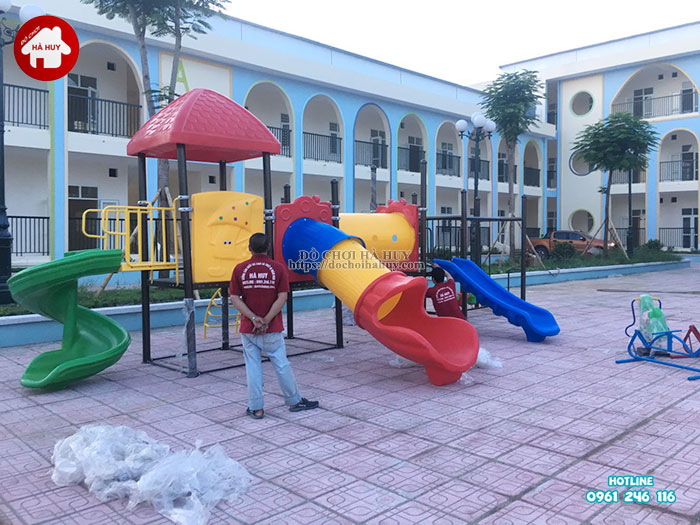 Lắp đặt bàn giao đồ chơi ngoài trời cho trường mầm non tại Hà Nội-3