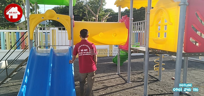 Lắp đặt đồ chơi ngoài trời cho trường mầm non tại Nghệ An-5