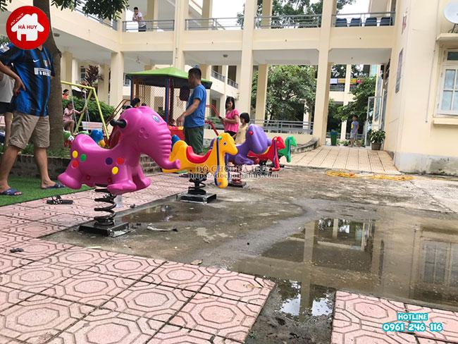 Sản xuất lắp đặt đồ chơi ngoài trời cho bệnh viện tại Mai Châu, Hòa Bình-17
