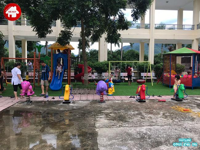Sản xuất lắp đặt đồ chơi ngoài trời cho bệnh viện tại Mai Châu, Hòa Bình-2