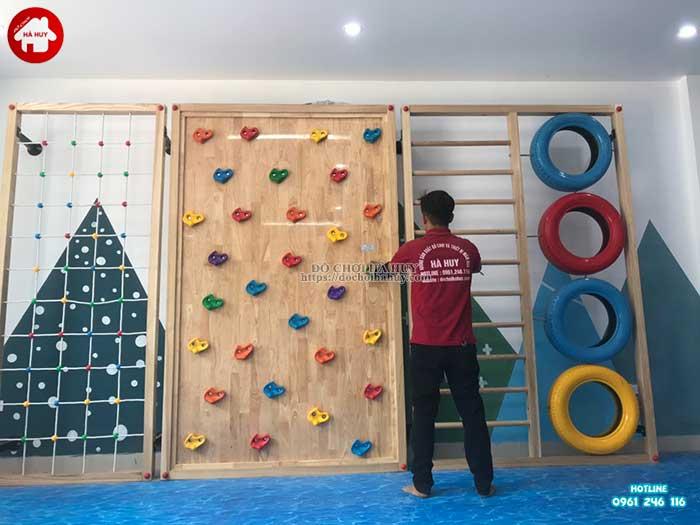 Lắp đặt vách leo núi, nhà leo cầu trượt cho trường mầm non Rainbow kindergarten-2