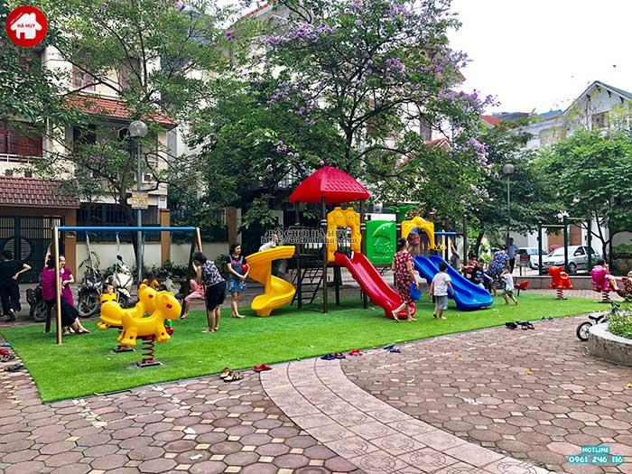 Mua đồ chơi ngoài trời gì cho khu vui chơi công cộng của trẻ em-2