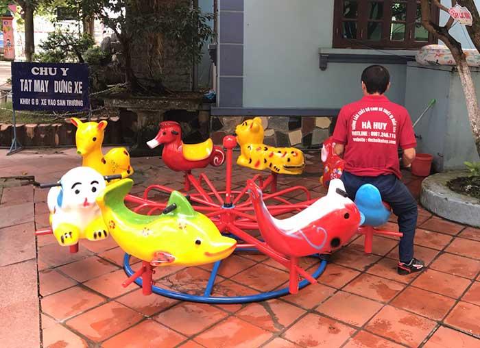 Top 5 những đồ chơi ngoài trời được các bé mầm non ưa thích nhất Top-5-nhung-choi-ngoai-troi-duoc-cac-mam-non-ua-thich-nhat-3