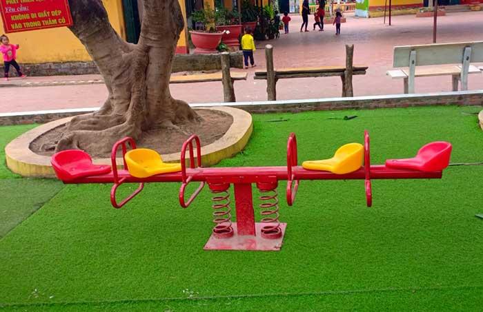 Top 5 những đồ chơi ngoài trời được các bé mầm non ưa thích nhất Top-5-nhung-choi-ngoai-troi-duoc-cac-mam-non-ua-thich-nhat-4