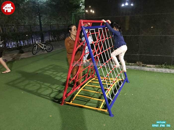 Sản xuất lắp đặt đồ chơi vận động ngoài trời cho khách tại Hà Nội-3