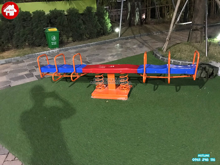 Sản xuất lắp đặt đồ chơi vận động ngoài trời cho khách tại Hà Nội-5