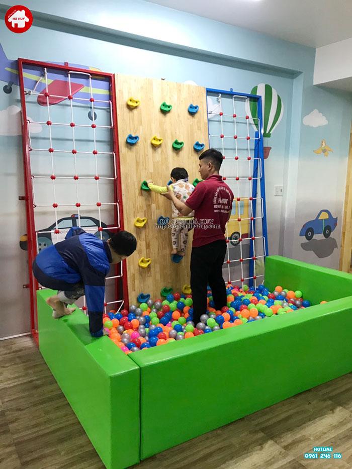Lắp đặt vách leo núi, bể bóng cho bé mầm non tại Tp. Hưng Yên-4
