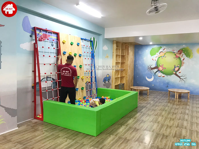 Lắp đặt vách leo núi, bể bóng cho bé mầm non tại Tp. Hưng Yên-6