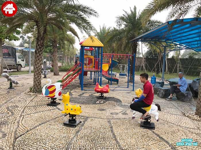 Sản xuất lắp đặt đồ chơi ngoài trời cho bé trường mầm non tại Hải Dương-9