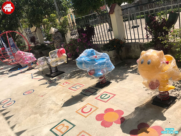 Sản xuất lắp đặt đồ chơi ngoài trời cho trường mầm non tại Hòa Bình-4