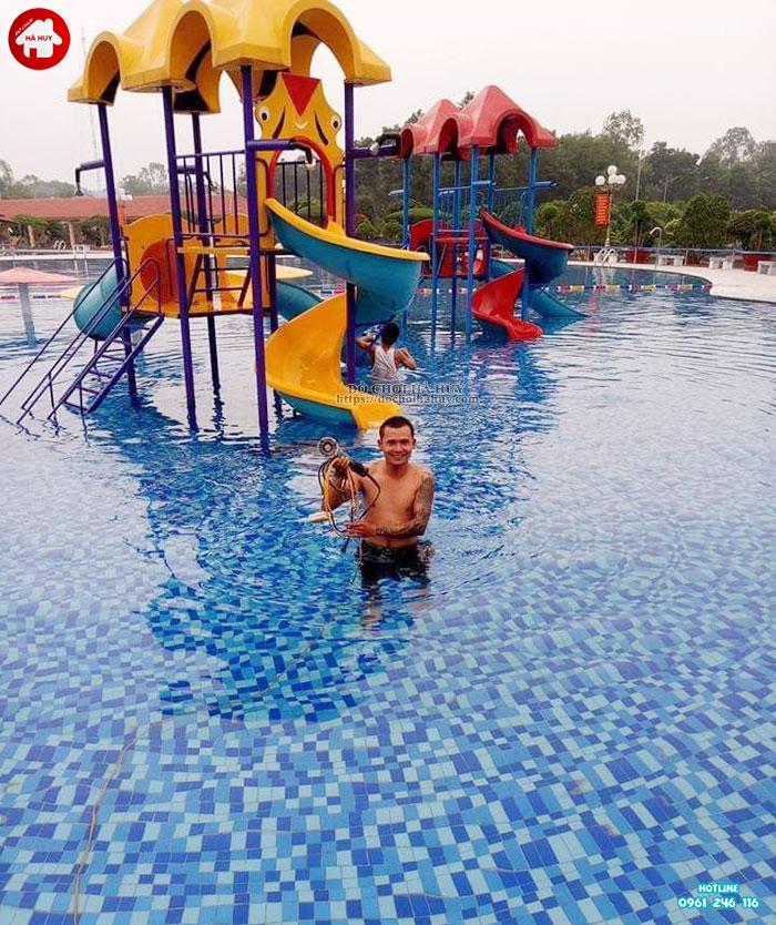 Tư vấn, báo giá cầu trượt bể bơi của đồ chơi Hà Huy-2