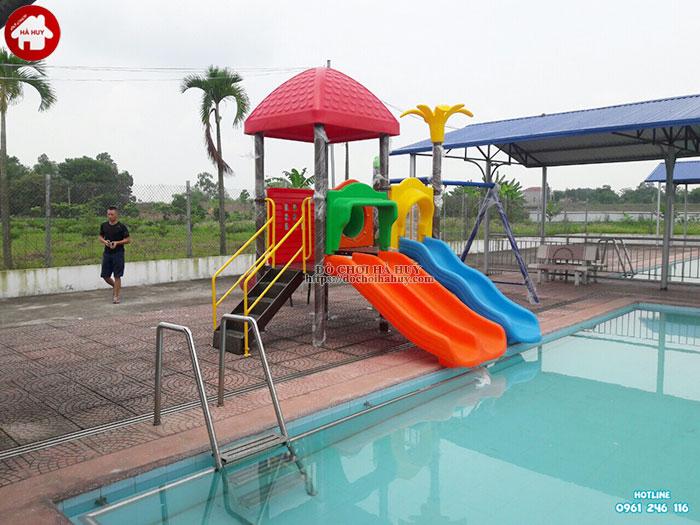Tư vấn chọn lựa mẫu cầu trượt bể bơi cho bể bơi của bạn-1
