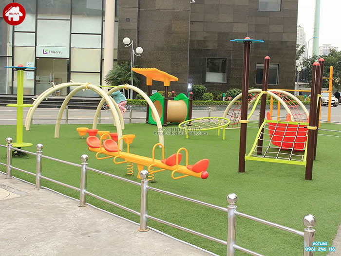 Tư vấn lắp đặt khu vui chơi ngoài trời cho trẻ em tại khu chung cư-2