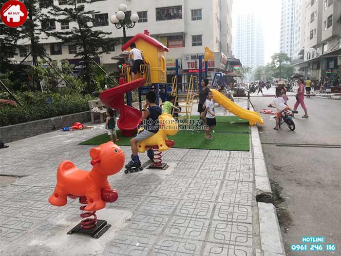 Đồ chơi ngoài trời cho trẻ với nên tậu lại đồ cũ không n01 Tim-mua-cau-truot-lien-hoan-ngoai-troi-o-dau-gia-re-chat-luong-1