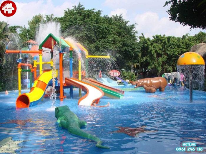 Cách chọn cầu trượt bể bơi cho công viên nước vừa và nhỏ