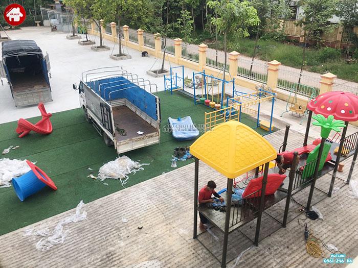 Sản xuất lắp đặt cầu trượt liên hoàn ngoài trời trường mầm non tại Hưng Yên