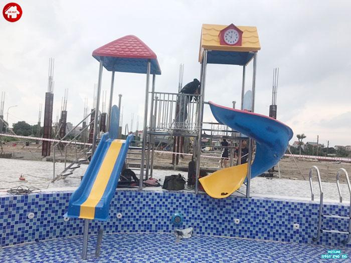 Sản xuất lắp đặt cầu trượt bể bơi cho khách hàng tại Quảng Ninh