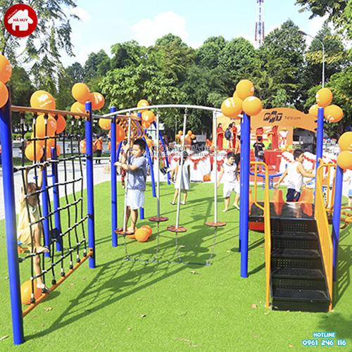 Khu vận động thể chất ngoài trời cho trẻ em
