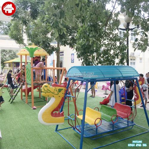 Sân chơi trẻ em ngoài trời tại bệnh viên KVC-015