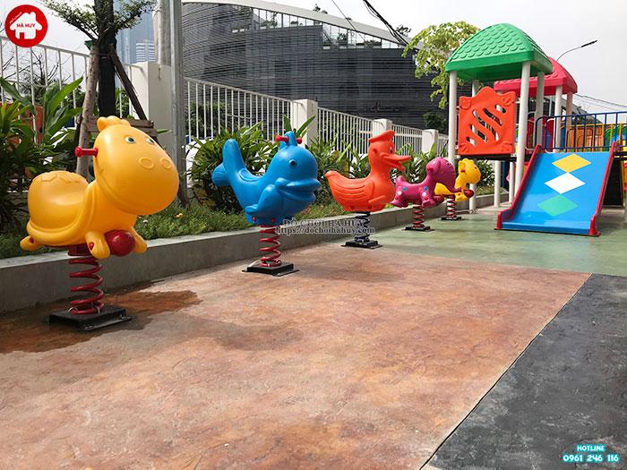 Sản xuất lắp đặt đồ chơi ngoài trời cho sân chơi trẻ em tại chung cư ở Hà Nội