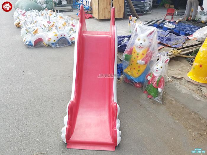 Cầu trượt cá heo cho bé ngoài trời nhựa composite giá rẻ HB1-025