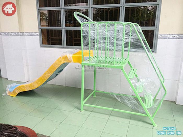 Thang leo cầu trượt đơn bể bơi giá rẻ HB12-020