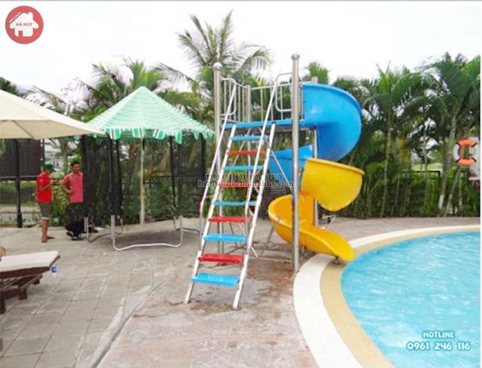 Thang leo cầu trượt xoắn hồ bơi máng composite HB12-007