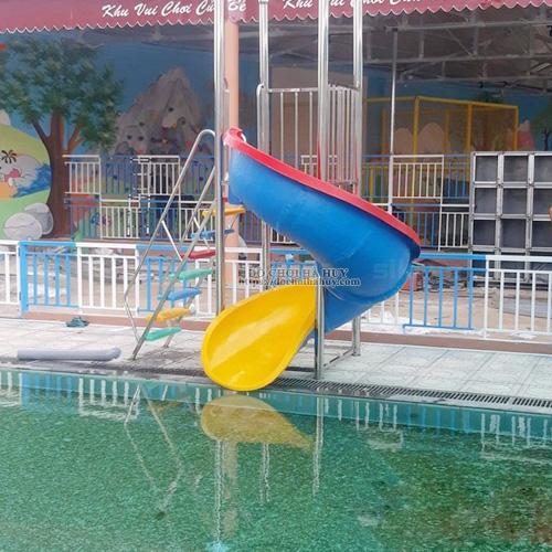 Thang leo cầu trượt xoắn hồ bơi composite HB12-007