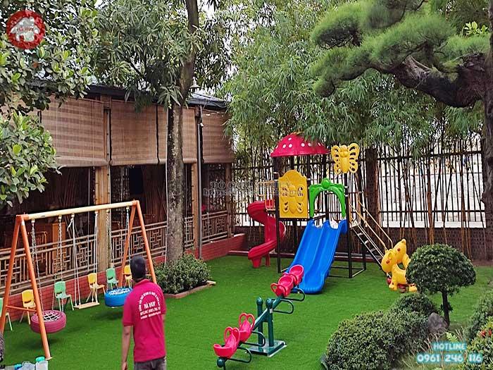 Công trình thi công lắp đặt sân chơi trẻ em ngoài trời cho nhà hàng tại Bắc Ninh